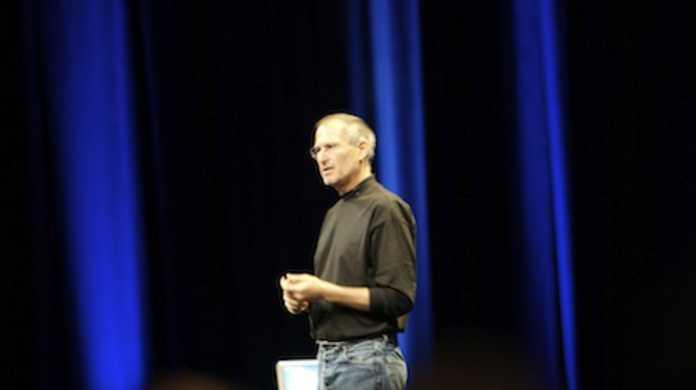 Appleつええ! 第2四半期決算 iPhone が過去最高の売上を記録し、前年同期比49%増を達成。