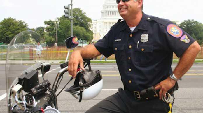 新型 iPhone 流出問題ついに警察動く。
