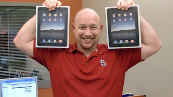 iPad、この1年で700万台売れる!? iPad 3G、発売より4日ではやくも販売台数30万台と推定。