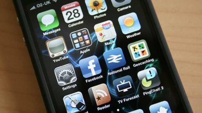 Apple、iPhone 4のリコールは考えてないっぽいような雰囲気。