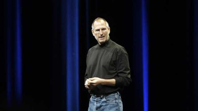 iPhone 4問題をスターウォーズになぞらえ、ジョブズがダーク・ジェダイ化してるムービー。