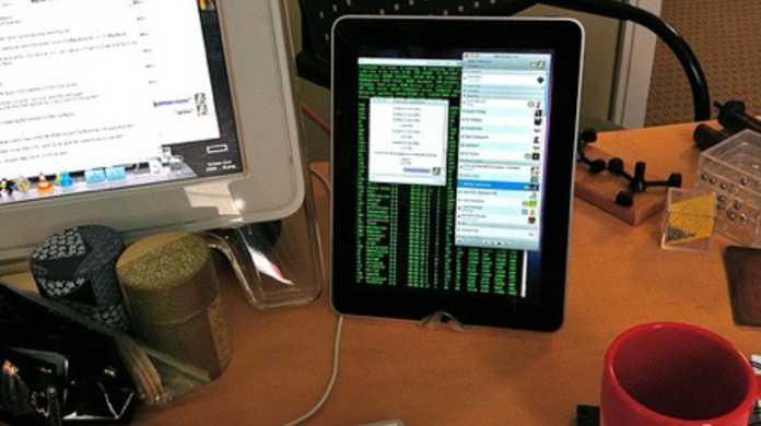 iPadはPCの売り上げを喰らう。