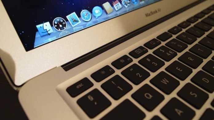 格段に旧型よりキーボードの打鍵が気持ちよくなった新MacBook Air(late 2010)