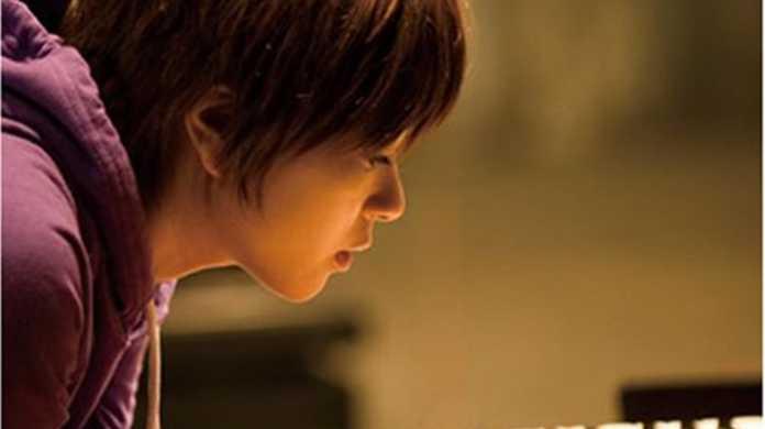 宇多田ヒカルの「人間活動」第一弾は「本屋さんで働いてみたい」!?