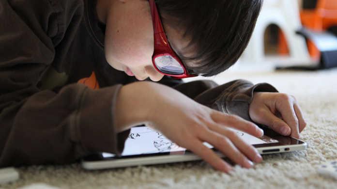 iPadのソフトウェアキーボードでスムーズにタイピングするための4つのコツ。