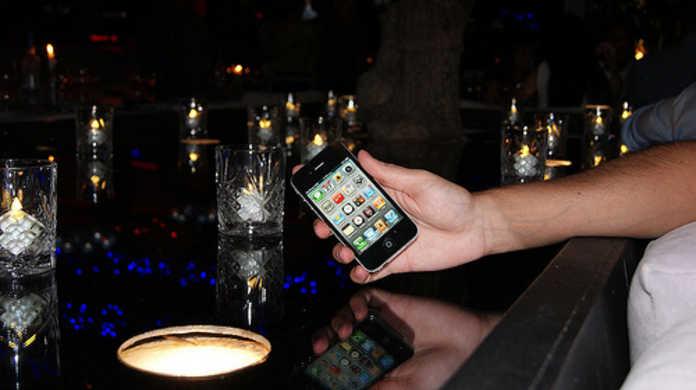 今度こそCDMA版iPhone 4降臨か? Verizonが「Twitter for iPhone」でツイートなう。