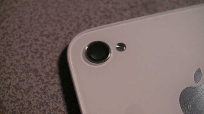 さよなら...シロ...。AppleのウェブサイトからiPhone4ホワイトモデルが消失。