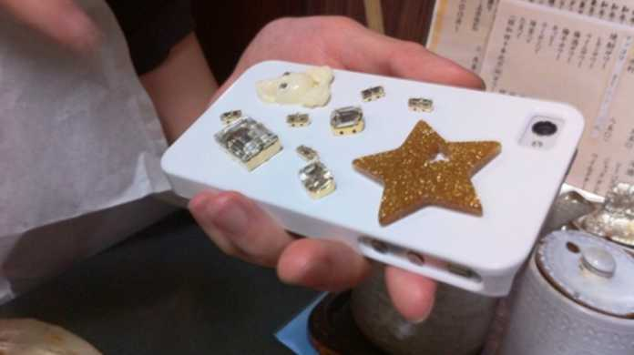 可愛いオリジナルケースは作れる! iPhoneデコカバーの作り方とコツを @umi_kaz さんに聞いてみた!