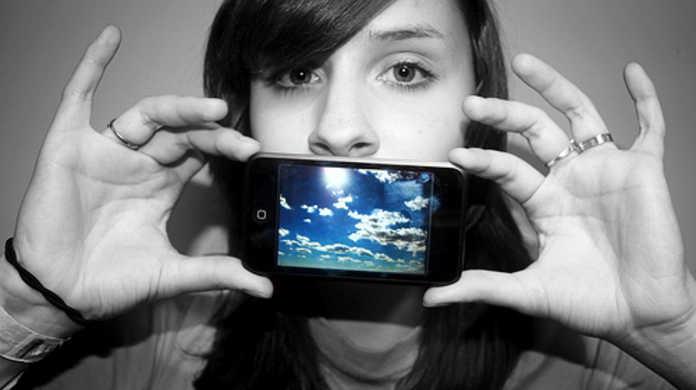 噂の iPod touch 3G はこんなカタチ。