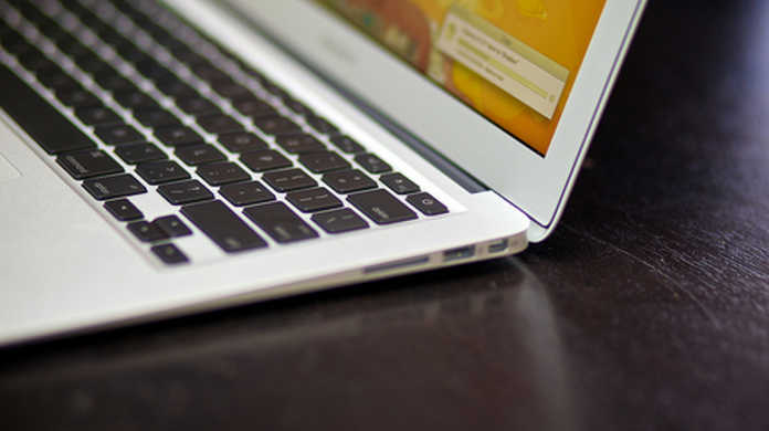 はやくも新型MacBook Air 13インチ (mid 2011) がバラバラに分解される。