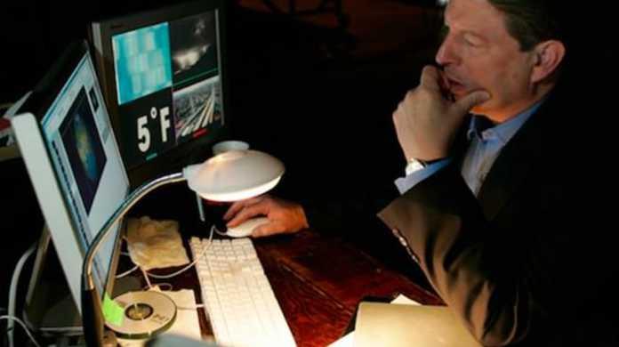 Appleの取締役、アル・ゴア氏「新型iPhoneは来月でるっす。」とコメント。