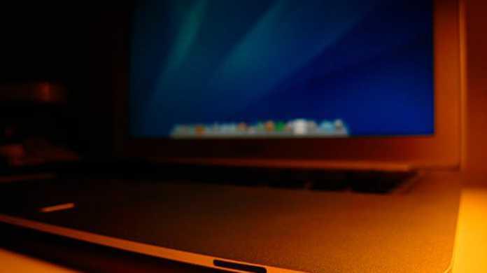アップル、AMDの「Llano」をつんだ MacBook Air を開発していた?