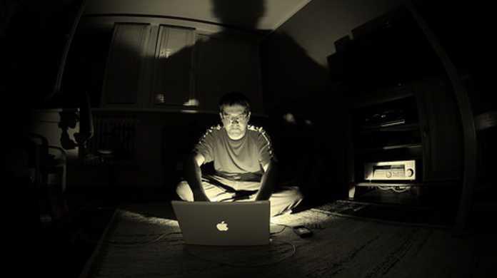 【無料】Mac OS Xの高速化にいかが?ウィンドウの影(ドロップシャドウ)を消すアプリ「SHADOWKILLER」[使い方メモ付き]