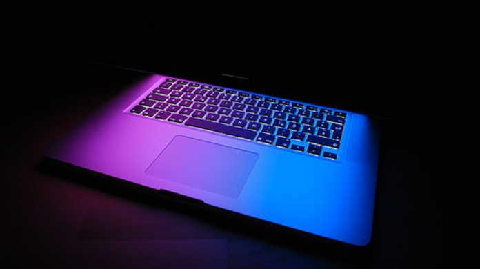 Appleが光学ドライブのない新しいMacBook Proの製造に着手したニュースを受けて色々妄想してみた。