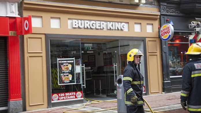バーガーキングのハンバーガーアイシャドウメイクが美味そうすぎる!