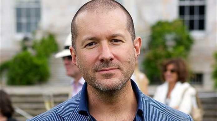 Appleのデザイナー、ジョナサン・アイブ氏「これまでで最も重要で最高の仕事に取り組んでいる」と発言。