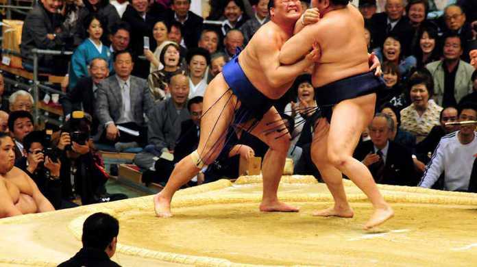 大相撲力士「高見盛」は水樹奈々で気合いを入れる