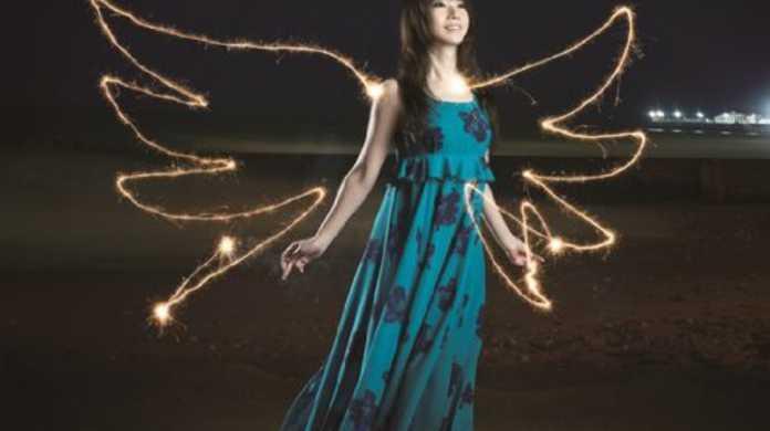 水樹奈々の新曲「BRIGHT STREAM」がオリコンCDシングルデイリーランキング1位を獲得!