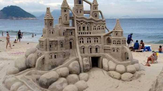 海でよくやる砂の城も極めればここまでイケる