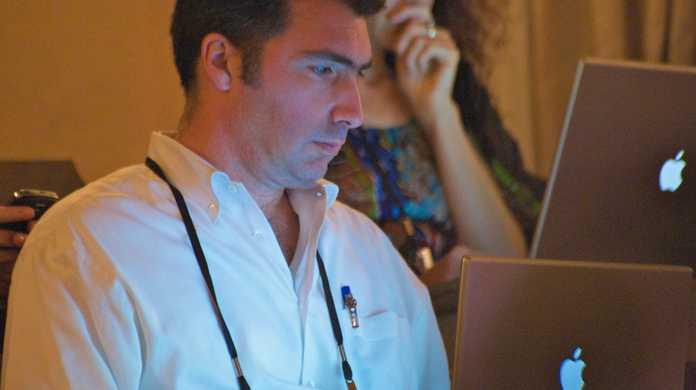 Safariでウェブページのソースコードを見る方法。(HTML & CSS)