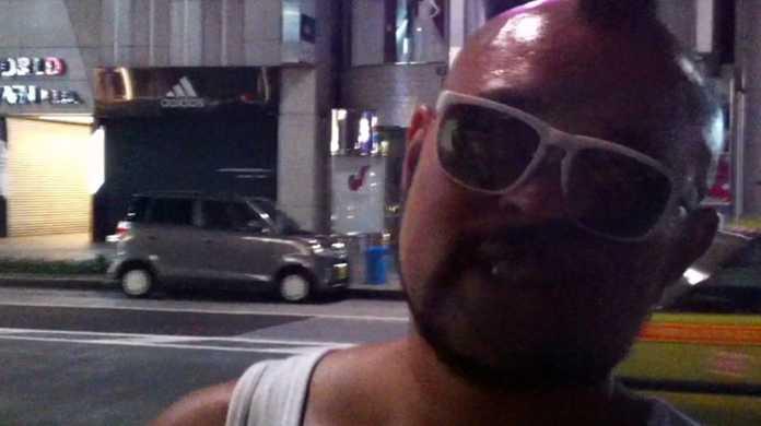乗るしかない!このビッグウェーブに!のブッチさんがiPhone 5の購入の行列に並んでいたのでインタビューしてきた!in ソフトバンク銀座店