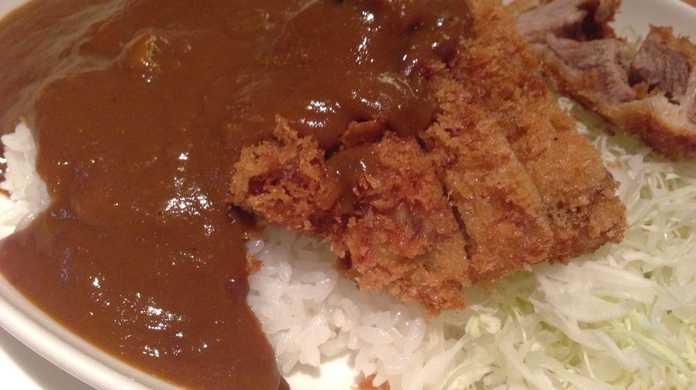 安倍晋三 元総理大臣が自民党 総裁選の前に食べた3,500円のカツカレーを喰らう!