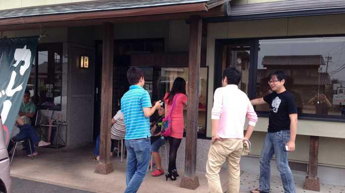 愛知県・一宮市「盛喜」の「天ぷら味噌煮込」を喰らう!木曽川の人気手打ちうどん屋さん!