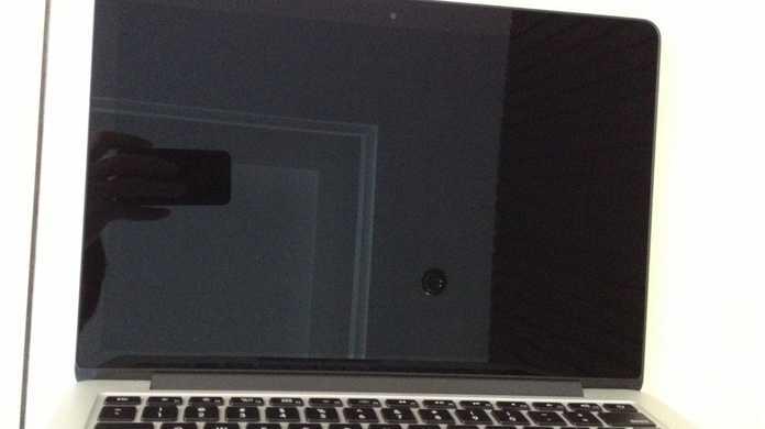 MacBook Pro Retinaディスプレイ13インチモデルの写真が流出しまくりの介