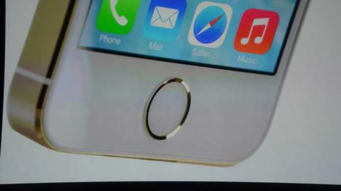 「iPhone 5sの予約は出来ません。」ソフトバンクが公式発表。
