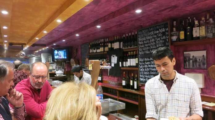 【サン・セバスチャン】フォアグラや肉塊を食べても、とってもリーズナブルで美味しいピンチョスのお店「La cuchara de san termo」(スペイン)