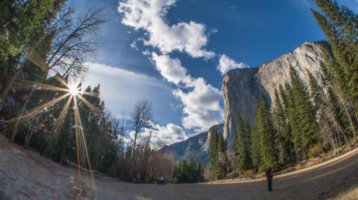 WWDC 2014の会場にOS Xの垂れ幕が。10.10の名称は「OS X Yosemite」または「OS X El Capitan」か?