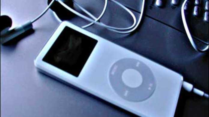 iPodからiTunesライブラリの再生回数やプレイリストなどを完全バックアップできる「CopyTrans」使い方【PR】