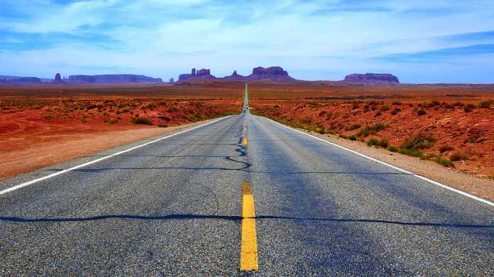 【雑学】コンクリート道路とアスファルト道路の違いとは?