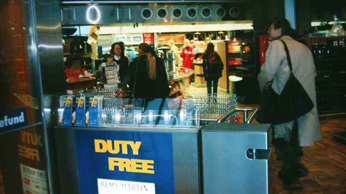 最近よく見る免税店やTAX FREEやDUTY FREEってどういう意味?日本人も使えるの?