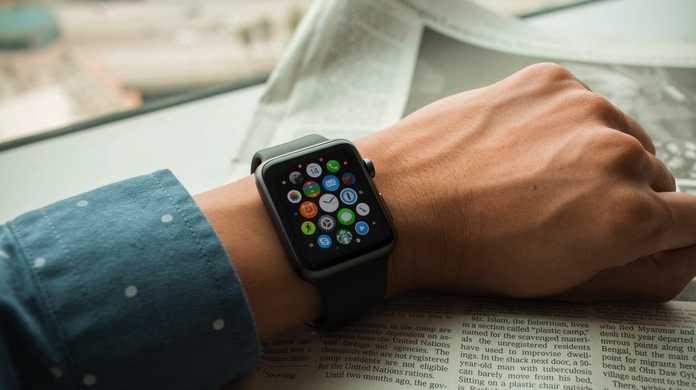 「2」への予兆か? Apple Watchがオンラインストアで売り切れ多数に。