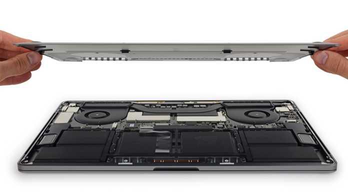 【THE分解】Touch Bar搭載の15インチMacBook Proもやはり分解される。