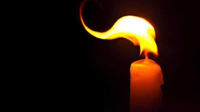 火の出ないリチウム電池を日本が開発。ついにスマホの爆発問題を鎮火なるか。