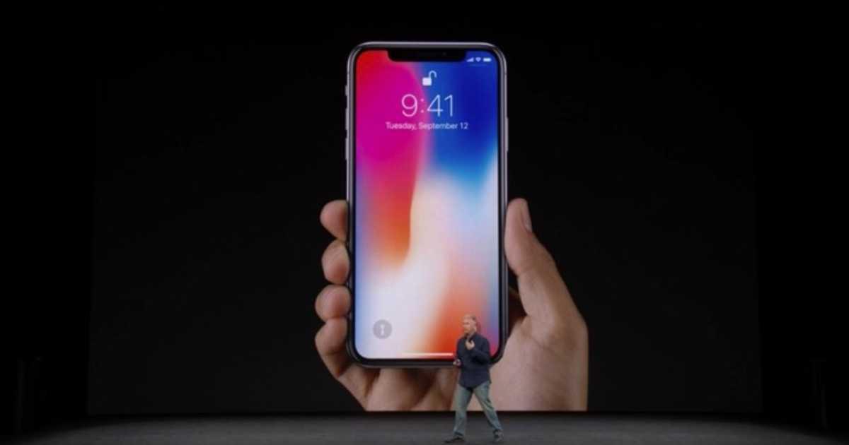 【速報】「iPhone X」が登場。顔認識「Face ID」と無線充電機能を搭載。発売日は11月3日。価格は999ドル。