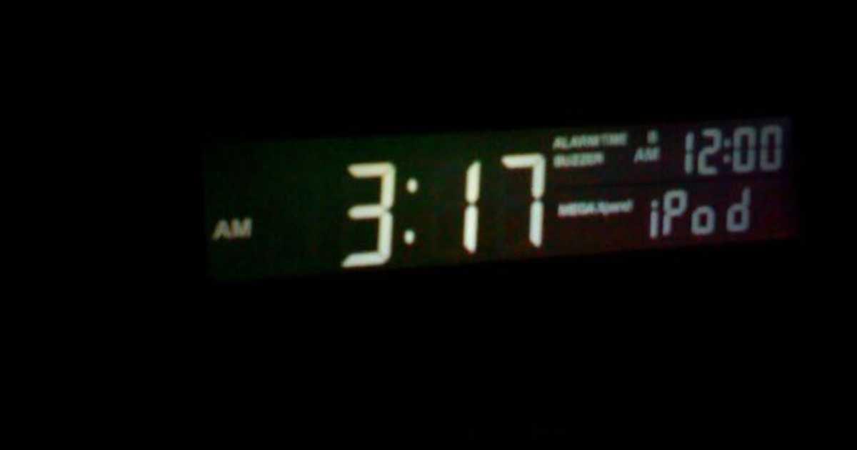 iPhoneの目覚ましに設定したアラームの音量が小さくて「起きれんかったぞ!」ってなる前に見る記事。