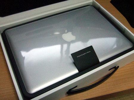 これがMacBook Airのユニボディ!