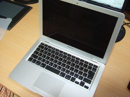 上からのMacBook Air